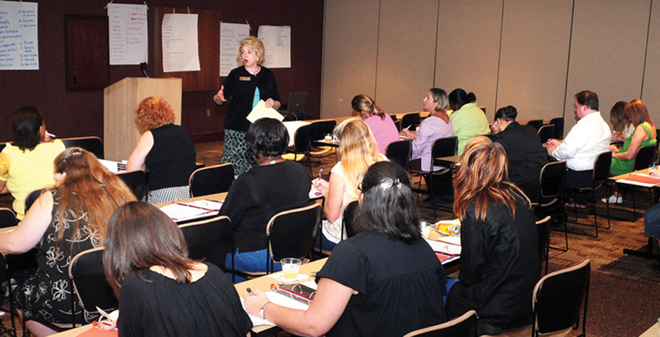 PARENTS ATTEND PARENT LEADERSHIP ACADEMY TO SUPPORT LOCAL SCHOOLS, CHILDREN.