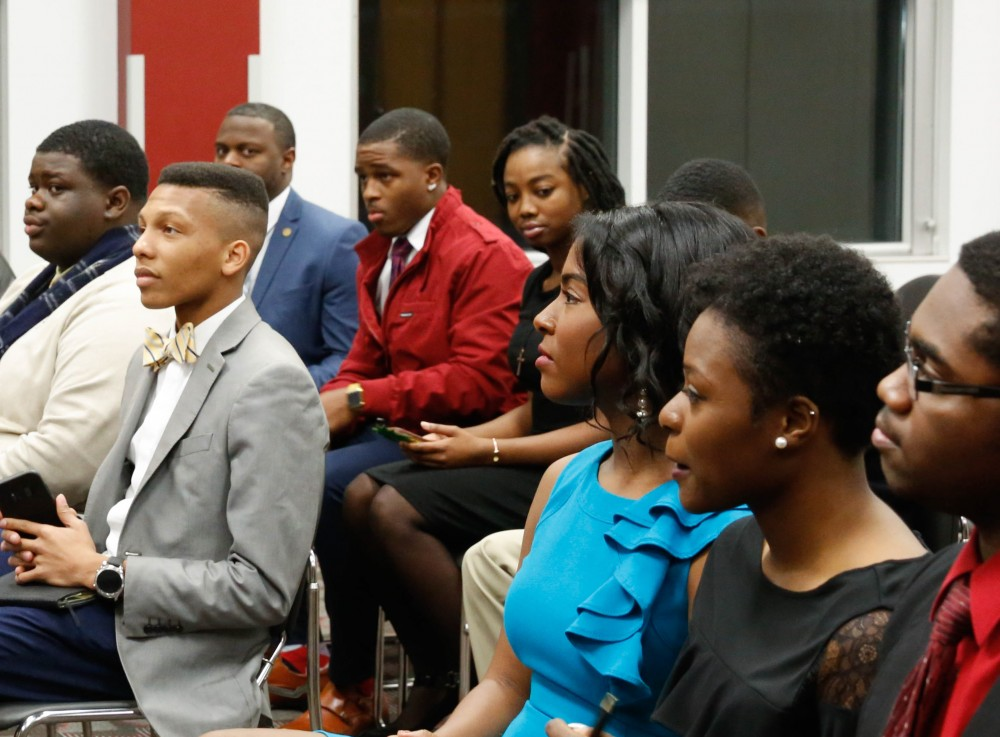 Students from the University of Alabama, Shelton State Community College, and Stillman College meet with Danny Glover before the Legacy Banquet.