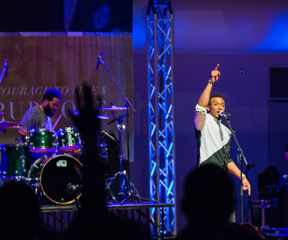 "Jonathan McReynolds was received with spontaneous applause in performing his biggest hits, like ""Not Lucky, I'm Loved,"" ""Great is the Lord"" and ""Gotta Have You."""